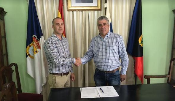 Durante la firma del acuerdo. 21 Junio 2017.