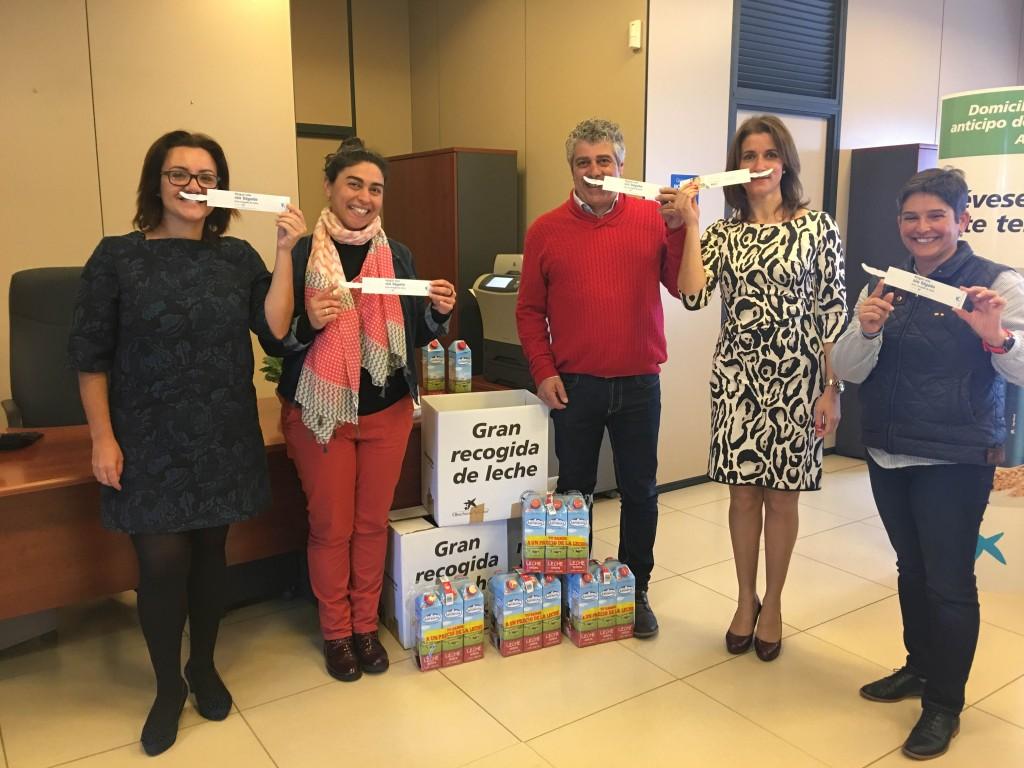 obra social la caixa gran recogida de leche ni un niño sin bigote 16 mayo 2016